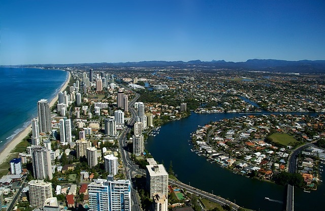 Queensland (Australia), Gold Coast accepts more students