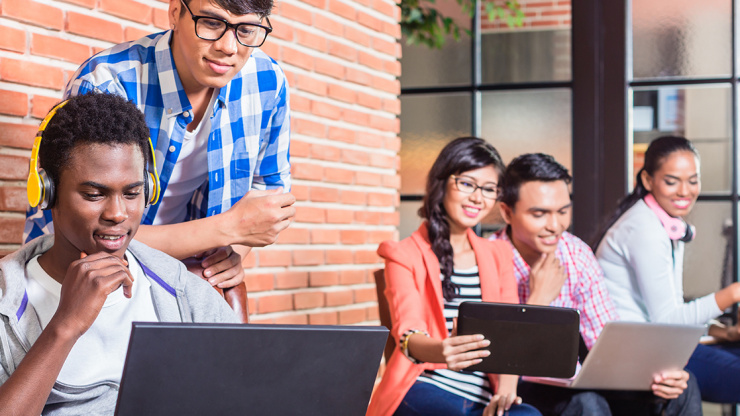 Popular Canadian Scholarships for International Students